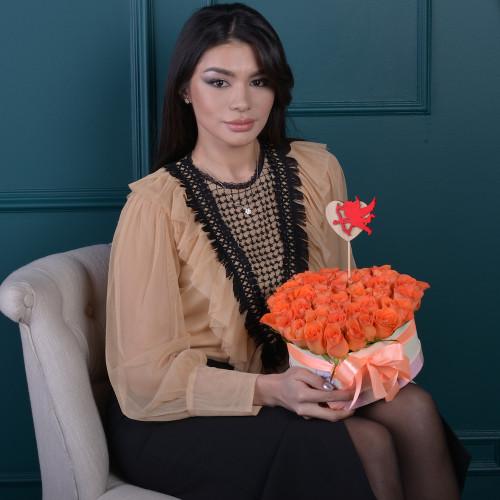 35 мандариновых роз коробки в форме сердца
