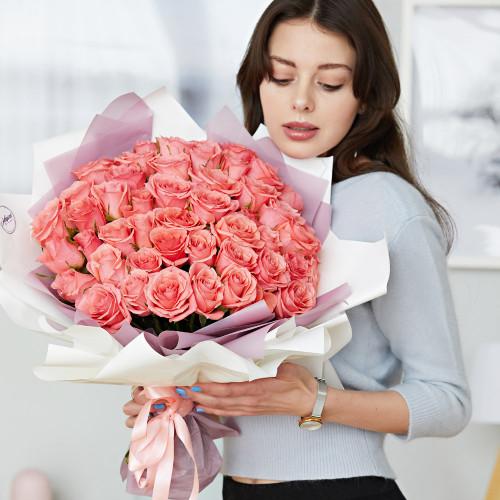 """51 розовая роза в стиле """"Magical"""""""