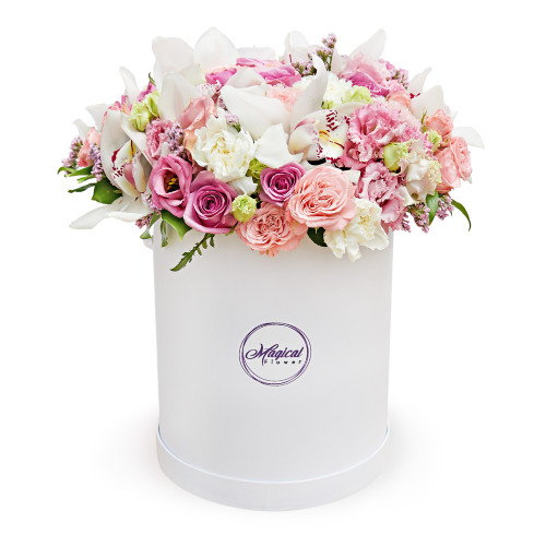 """Фирменный букет в шляпной коробки """"Magical Flower"""""""